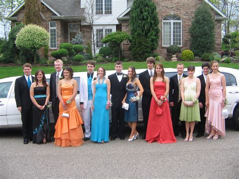 capl prom group large
