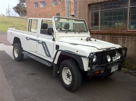 land rover 130 land rover defender 130 station wagon mulgo expedition