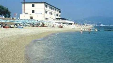 hotel porto recanati 2 stelle soggiorno in hotel 3 stelle direttamente sulla spiaggia a