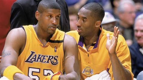 samaki walker remember that time kobe bryant punched samaki walker in