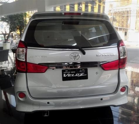 Grand New Avanza 1 5 Veloz M T avanza toyota veloz 1 5 grand new 2017 mobilbekas