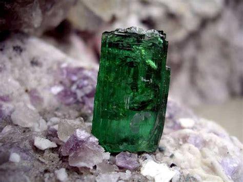 gemstones found in oregon search rocks