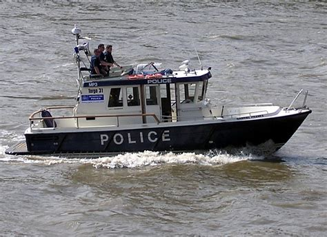 house boat london file police boat london arp jpg wikimedia commons