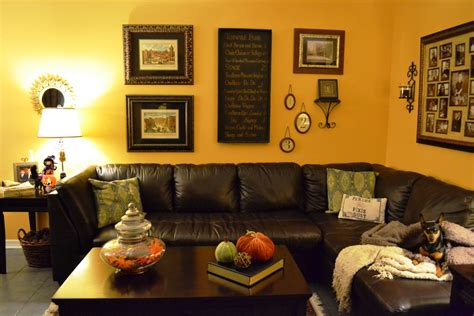 how to decorate end living room halloween decorations