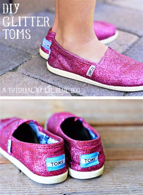 diy toms shoes 34 sparkly glittery diy crafts you ll