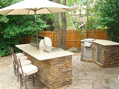 small outdoor kitchen 78 best ideas about small outdoor kitchens on