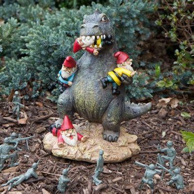 gnomi da giardino offerte t rex grande massacro degli gnomi da giardino