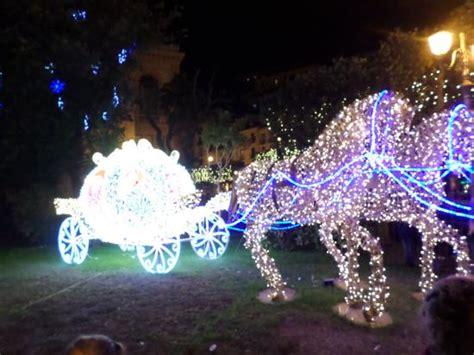 carrozza di cenerentola carrozza di cenerentola foto di centro storico salerno