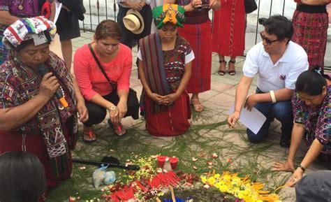 los mayas ixiles de guatemala viajes a nebaj chajul y cotzal edition books ind 237 genas ixiles toman acciones contra la