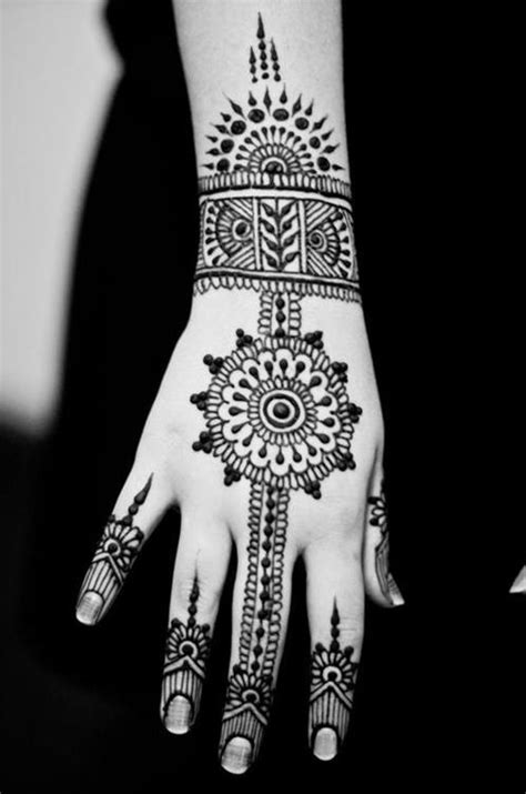 beautiful indian brides henna bring this photo with you