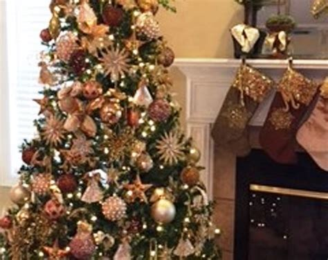 25 Dekorasi Natal Hiasan Ornamen Pohon Natal Hiasan Pohon Natal foto contoh desain dan dekorasi pohon natal 27