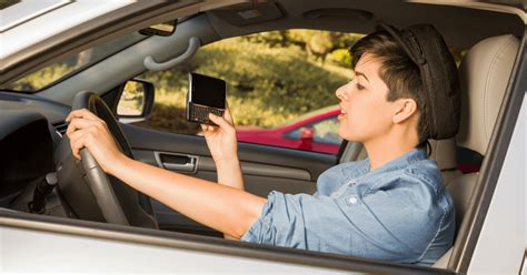 young drivers  mi  addicted   cell phones