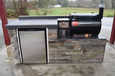 Prefab Outdoor Kitchen Grill Islands outdoor kitchen grills great brick and stone for outdoor
