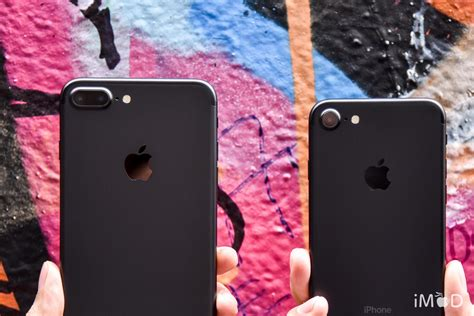 iphone   iphone  red apple true ais