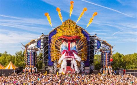 music festivals in france summer 2012 how top music festivals are using creative digital