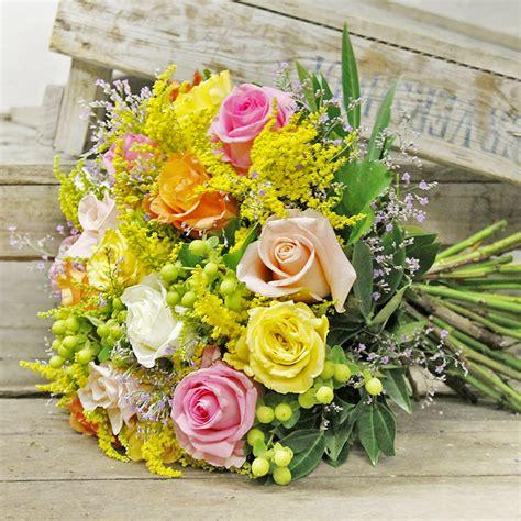 fiori a domicilio verona bouquet colorato di fiori di co consegna fiori a
