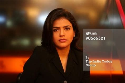 hot female journalists in india the 10 beautiful female tv news anchors in india