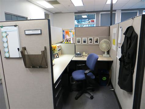 how to decorate your cubicle easy clean decor for a chic cubicle work office