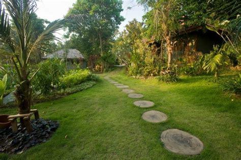 decoracion de jardines con piedras y cañas jardines con piedras y troncos simple piedra y prgolas