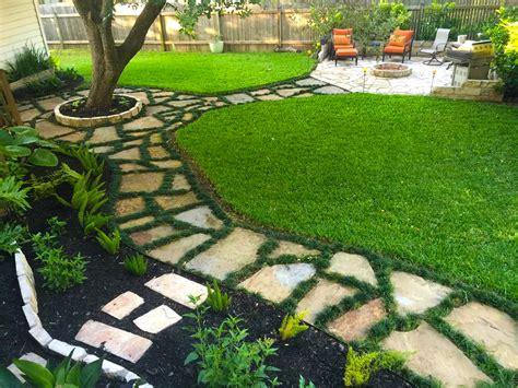 backyard w backyard landscape flagstone walkway w dwarf mondo grass