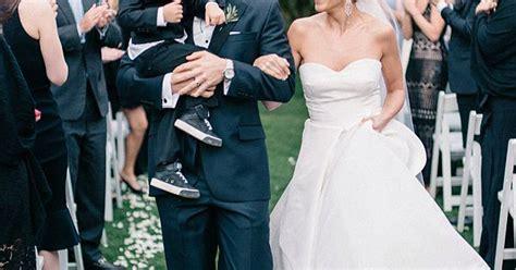 jamie lynn sigler wedding dress jamie lynn sigler s dog almost peed on her wedding dress