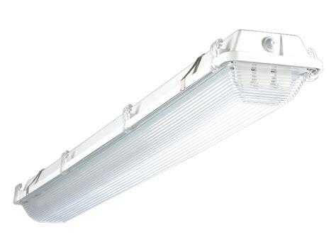 2 Foot T8 Fluorescent Light Fixtures Atlas Lighting Ifw4232uei8 2 L T8 4 Foot Location Fixture Ebay