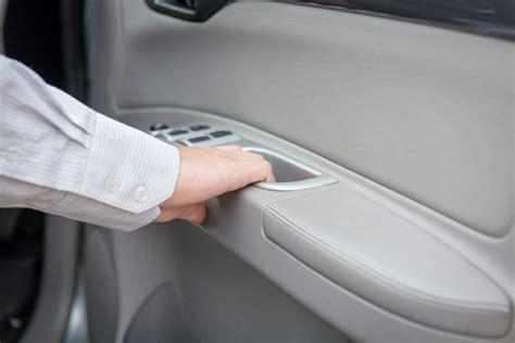 abrir puerta coche cuidado al abrir la puerta coche cosas de coches