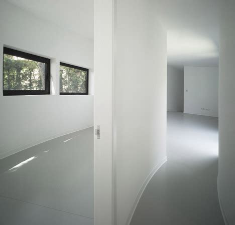 Surface à Rénover 2038 by Subarquitectura 360 House 5osa 오사