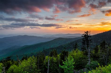 Sunset Cottages Gatlinburg by Morning America Visits The Great Smoky Mountains