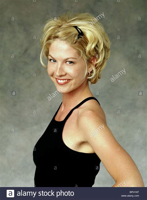 jenna elfmans haircut from dharma and greg jenna elfman dharma greg 2000 stock photo 31107315 alamy