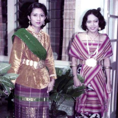 Baju Kebaya Ibu Ani Yudhoyono intip gaya rambut ibu ani yudhoyono saat masih muda cantik plus kapanlagi