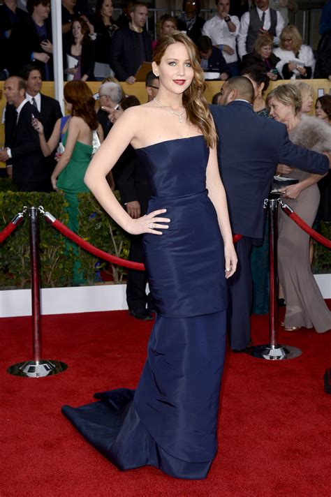Oscar Trends To Inky Blue by Navy Blue Trend Alert At 2013 Sag Awards Carpet