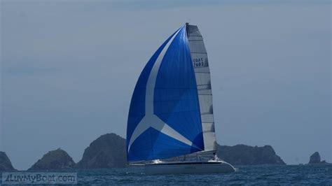boat salvage auckland yacht salvage of capsized catamaran luvmyboat