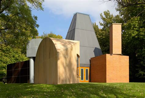 frank gehry house frank o gehry all asta cercasi nuovo proprietario per la winton guest house