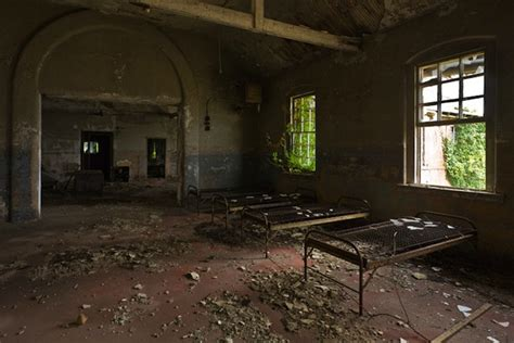 Nyc Haunted House by Abandoned Nyc Hart Island S Crumbling Women S Lunatic