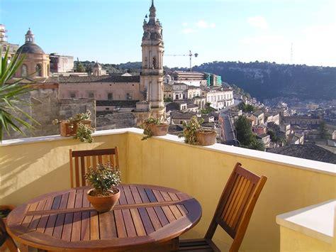 casa con terrazza deliziosa casa con terrazza con splendida vista su modica
