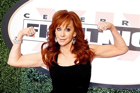 reba mcentire 2014 reba mcentire is getting juiced for 2014