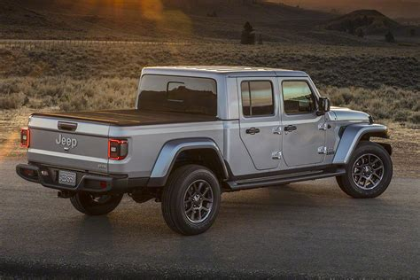 New Jeep Truck 2020 by New 2020 Jeep Gladiator Up Truck Revealed Pictures