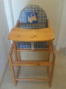hochstuhl holz mit tisch kinder hochstuhl stuhl und tisch holz neuwertig eur 10