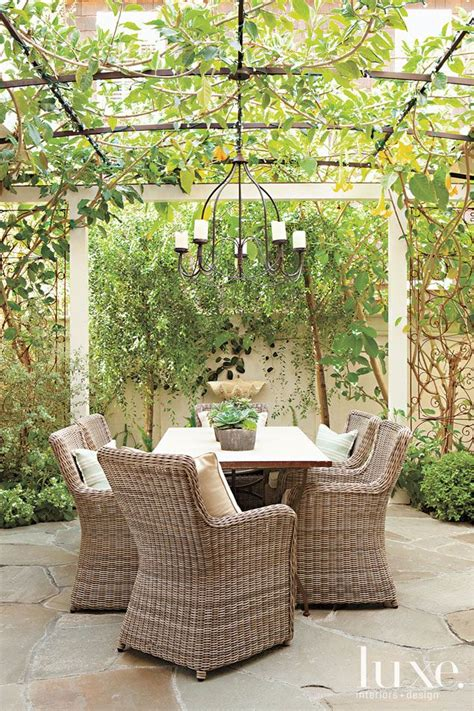 outdoor eating area best 25 outdoor eating areas ideas on pinterest white