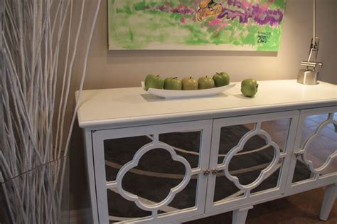 Quatrefoil Console Table White Hallway Console Table With Mirrored Quatrefoil Detail Interior Design By Jil