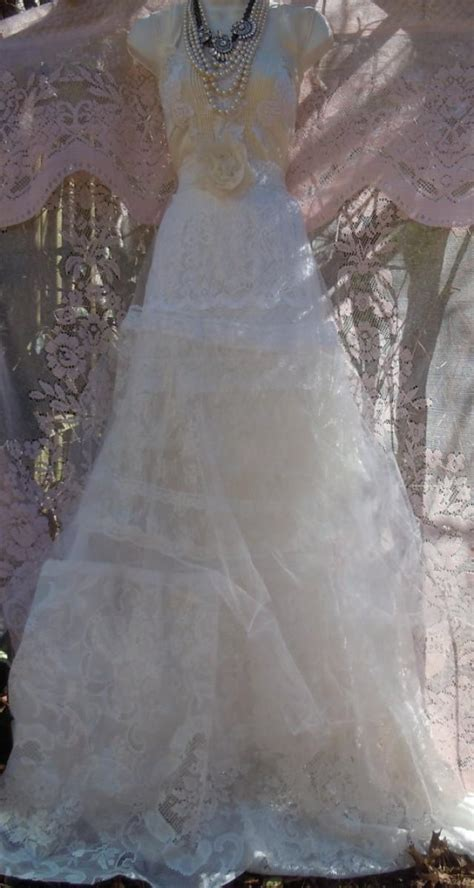 Vintage Opulence lace white ivory wedding dress tulle tiered vintage outdoor small by vintage