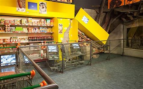 earthquake room history museum supermarket earthquake machine the history museum simulators experienced