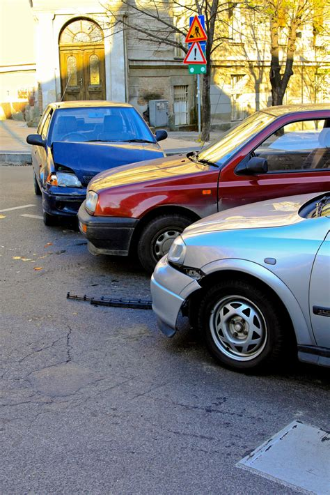 Car Lawyer In 5 by 5 Instances When An Auto Attorney S Services Are