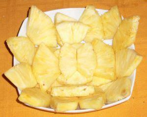 come presentare l ananas a tavola presentare ananas in tavola a spicchi newsbartenders it