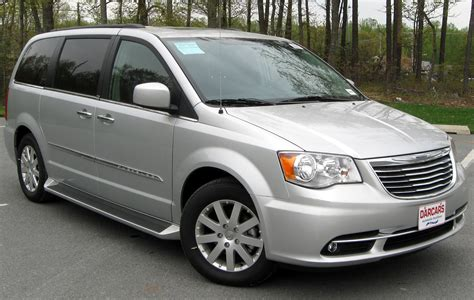 how cars run 2012 chrysler town country windshield wipe control chrysler minivans here to stay but direction remains unclear the truth about cars