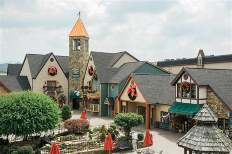 holiday place christmas place pigeon forge all you need to know before you go with photos tripadvisor