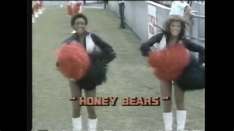 cheryl burtons as a bears cheerleader chicago honey bears 1978 youtube