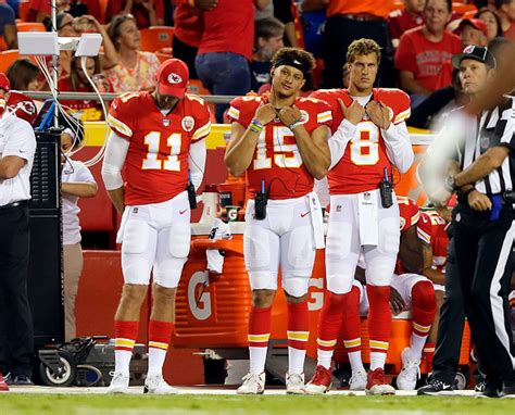 alex smith benched should the chiefs bench alex smith in favor of patrick