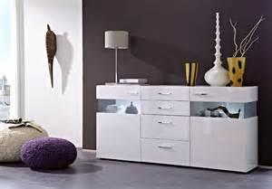 weiße holzmöbel funvit holzbalken in neubau wohnzimmer